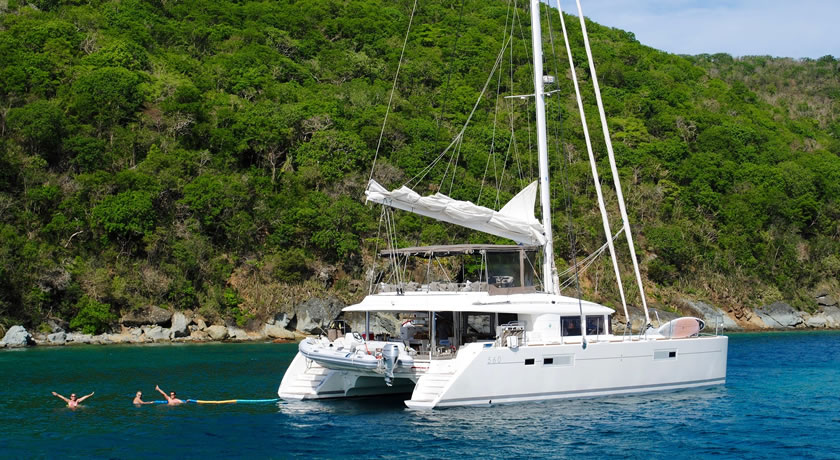 Costa Dorada – CATAMARAN trip with Barbecue